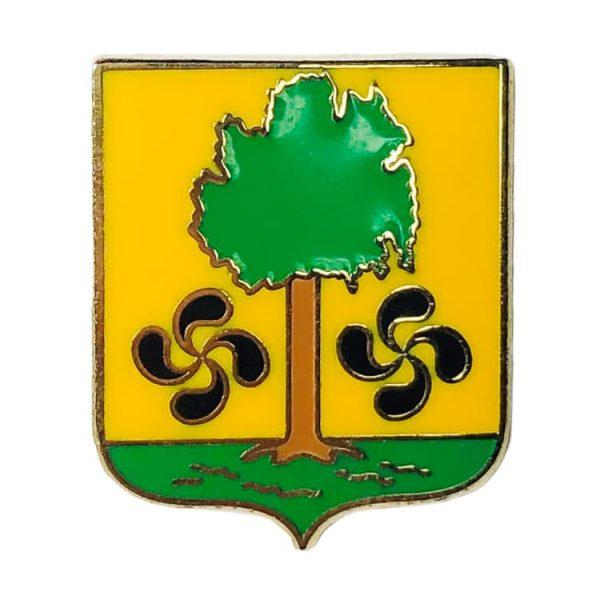 pin escudo ajangiz