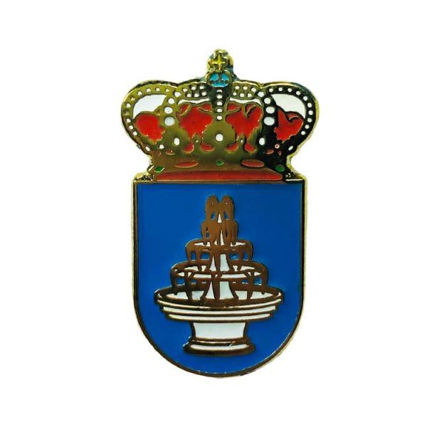 pin heraldico escudo aguadulce