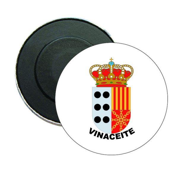 iman redondo escudo heraldico vinaceite