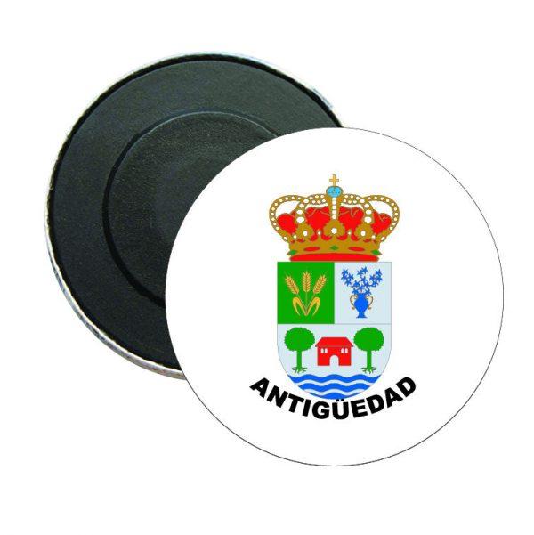 iman redondo escudo heraldico antiguedad