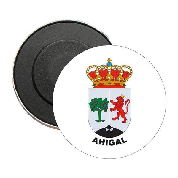iman redondo escudo heraldico ahigal