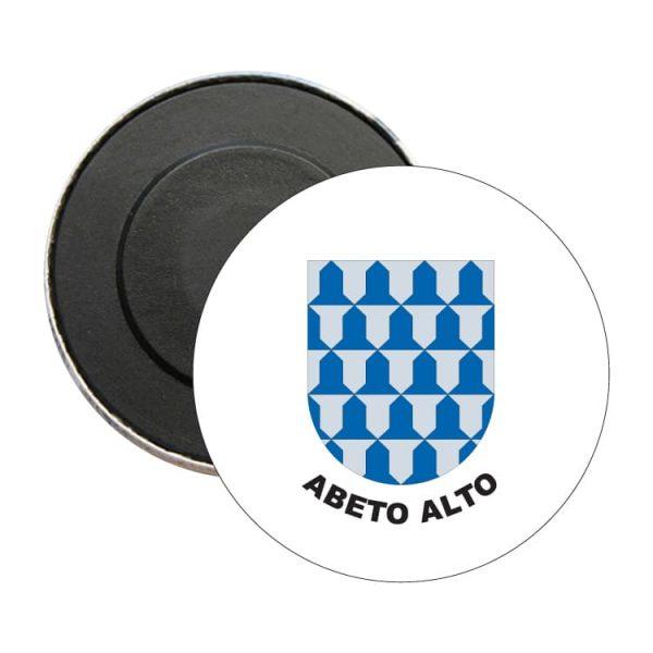 iman redondo escudo heraldico abeto alto