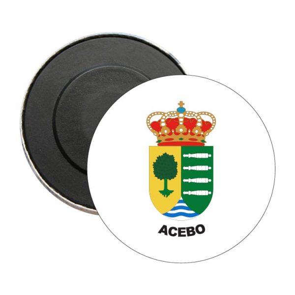 iman redondo escudo heraldico acebo