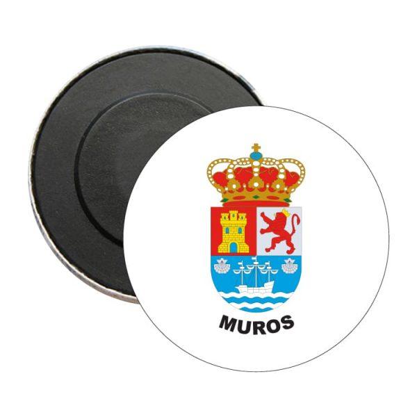 iman redondo escudo heraldico muros