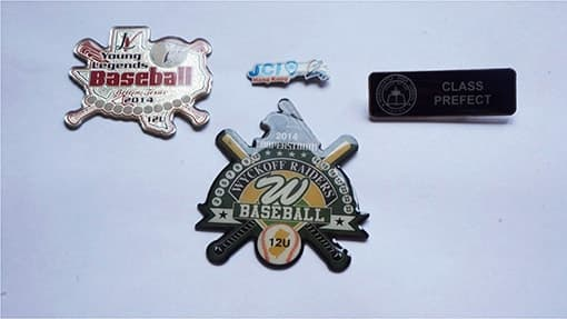 pins personalizados con goma de resina